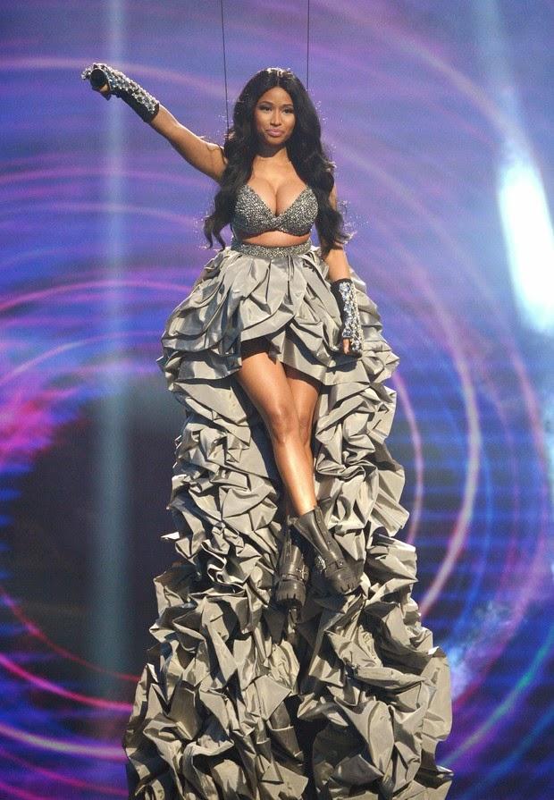 nicki minaj announces concert in brazil in 2015 uskao