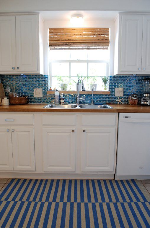 Light blue kitchen backsplash for Light blue kitchen backsplash