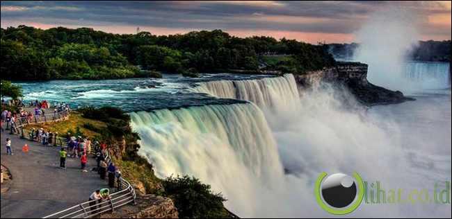 Air terjun Niagara, perbatasan Amerika Serikat-Kanada
