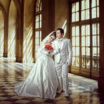 Foto Pre Wedding dengan Konsep Indoor dan Outdoor