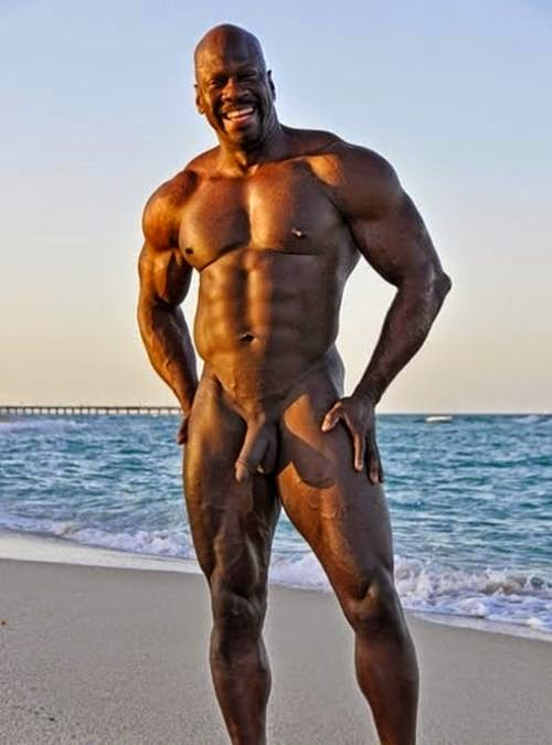 naked black girls wet pussy to jack off on
