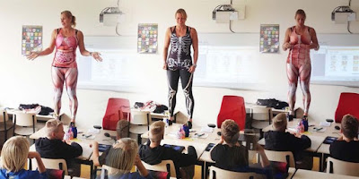 Empat Guru Dengan Cara Mengajar Paling Unik di Dunia