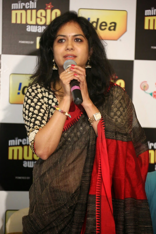 Singer Sunitha transparent saree navel stills