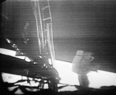 12 Menganalisa Peristiwa Pendaratan Manusia Pertama Kali Di Bulan