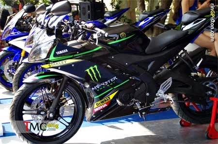 gambar Yamaha R15 MotoGP Monster Tech 3