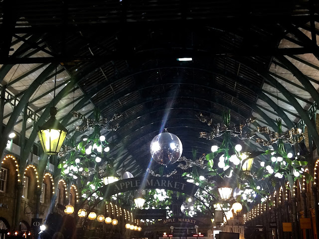 Covent Garden Christmas Mistletoe 2015