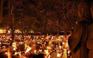 http://fiestas.elembarazo.net/diferencias-entre-halloween-y-todos-los-santos.html