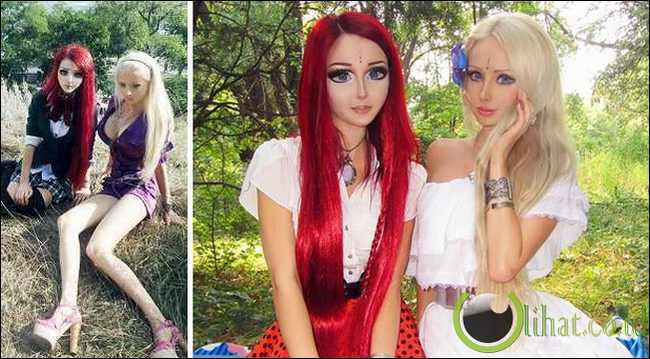 Gadis Barbie Bertemu Dengan Gadis Anime