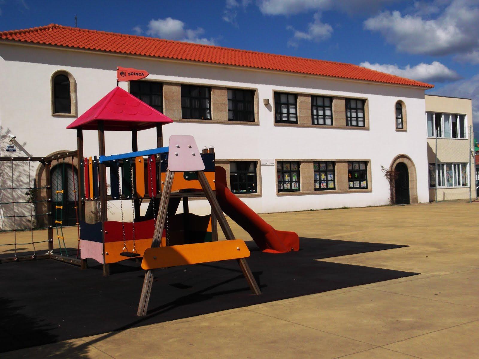 Centro Escolar de Areia - Árvore