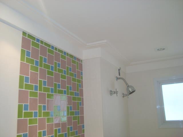 decoracao gesso banheiro : decoracao gesso banheiro:Exemplo de pastilhas e moldura