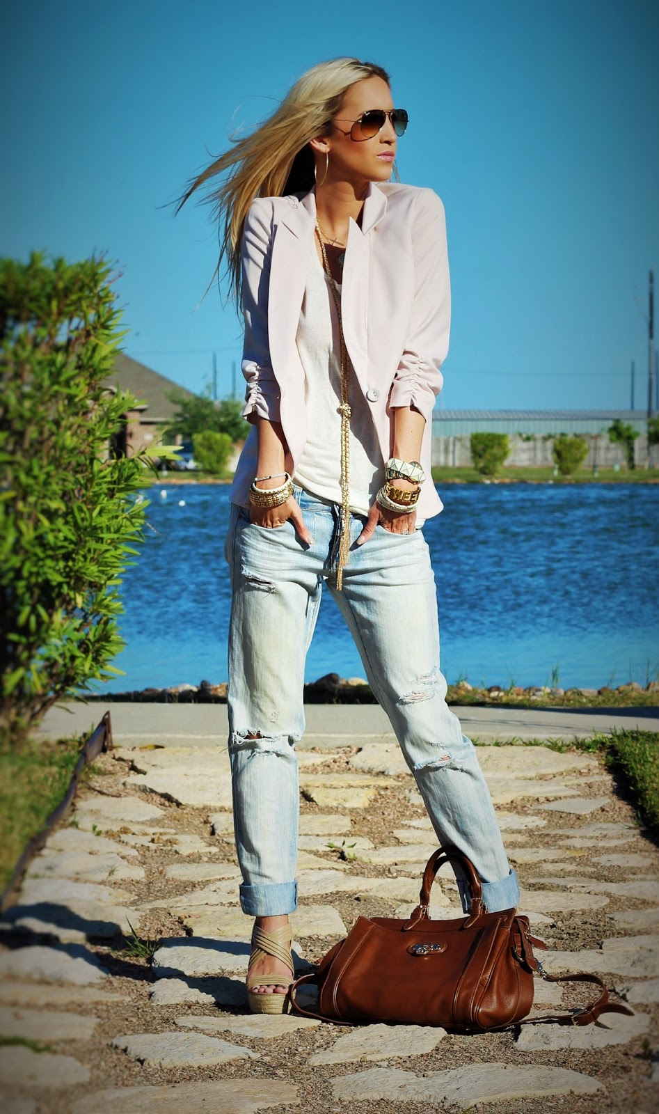 http://www.fabphilosophy.blogspot.com/2014/04/outfit-of-day-casually-layered.html