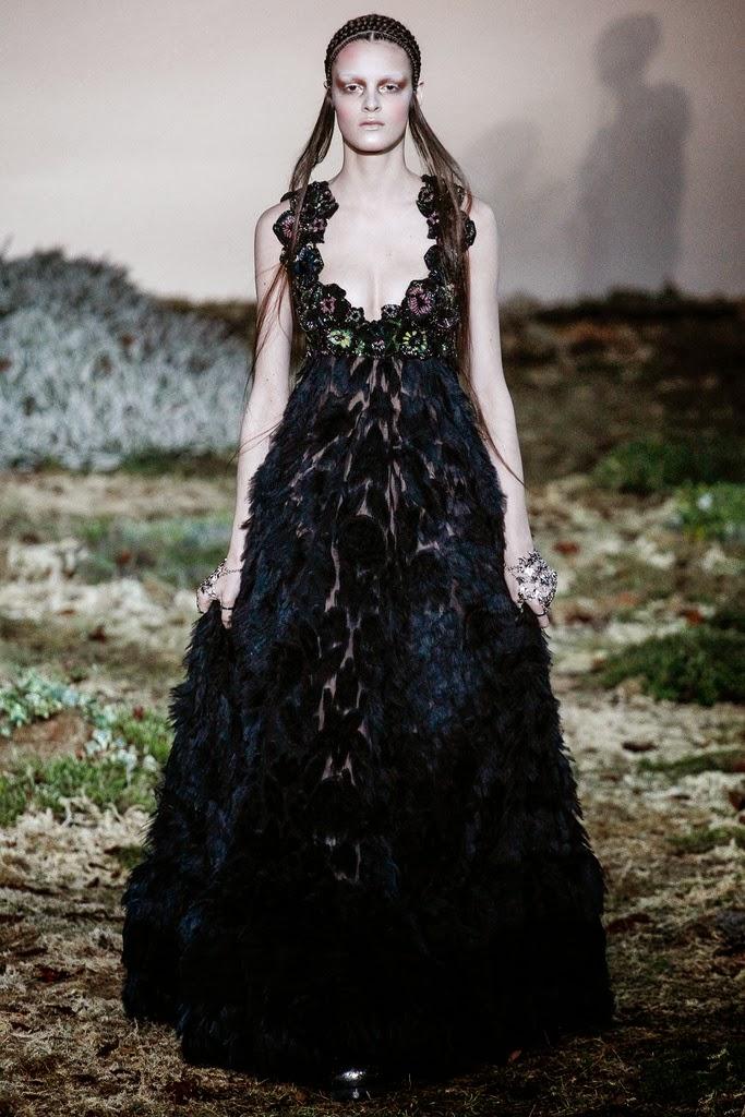 Alexander McQueen Paris Fashion Week Otoño Invierno 2014-2015 16