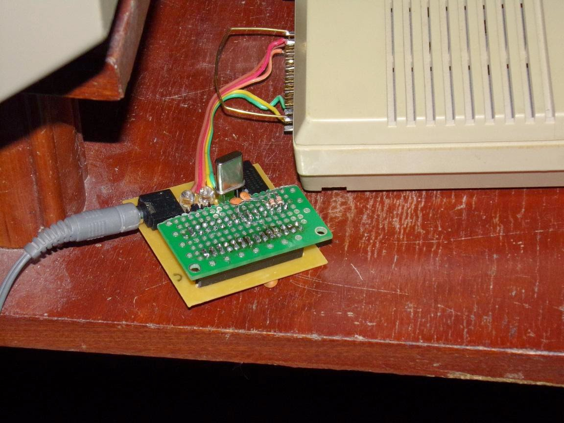 Aventura conversacional en BASIC con modulo de voz HR5 (Commodore 128)