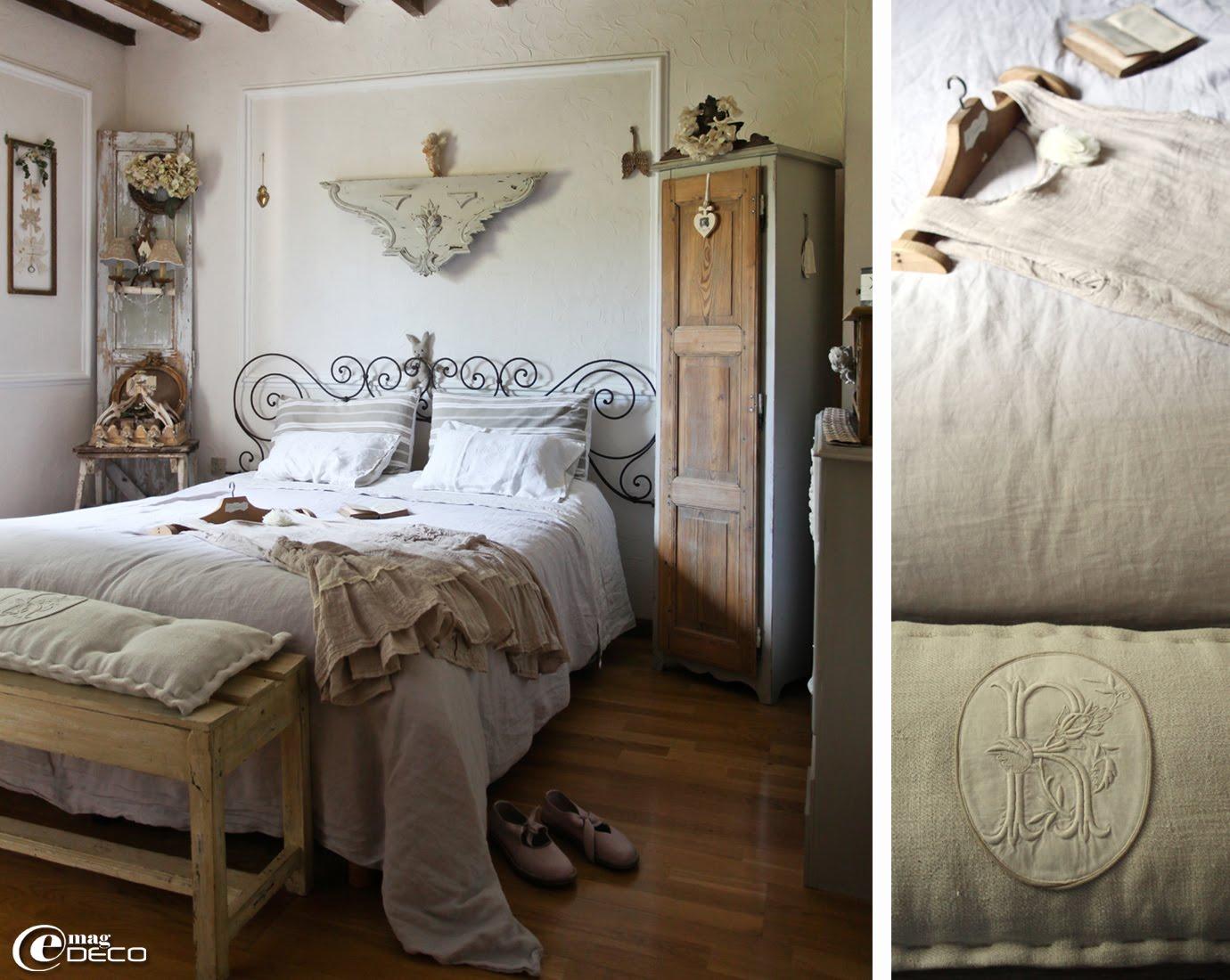 Une tête de lit réalisée avec des volutes récupérées sur un lit en fer forgé