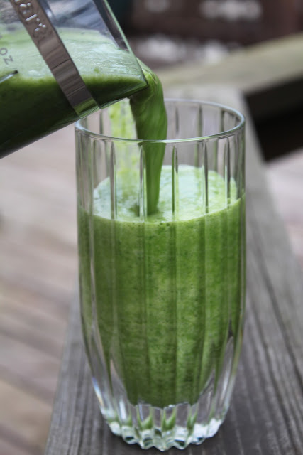 Kale-Green-Smoothie-Recipe-Kalicious