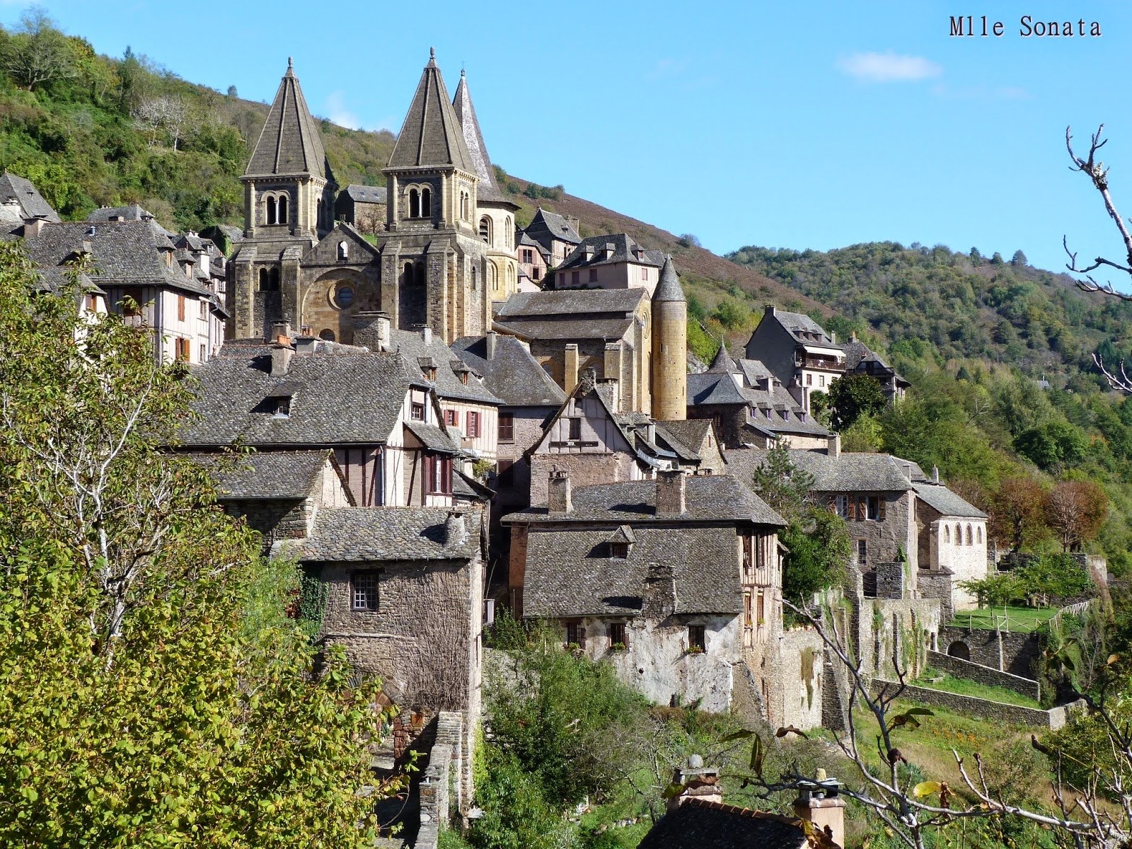 Aveyron Conques Plus beaux Villages de France
