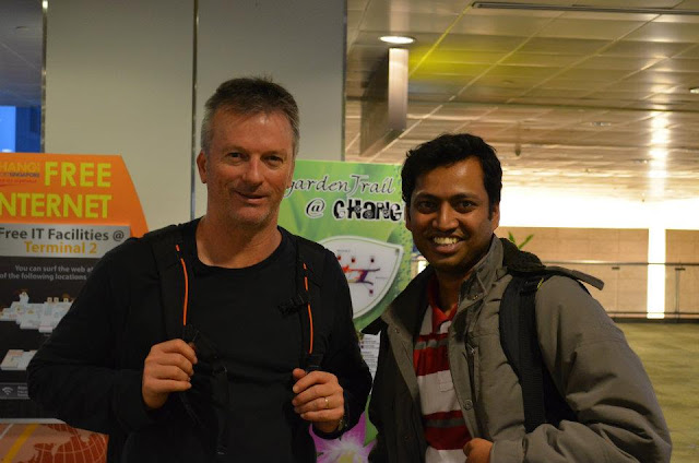 Raveesh Kumar with Steve Waugh, Australian Cricket Team Caption