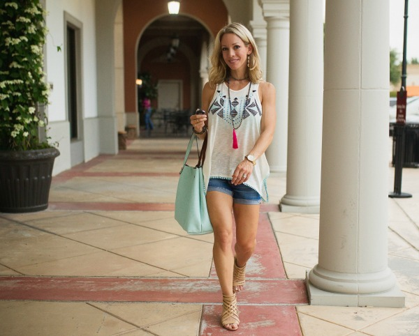 Summer Fashion - embroidered tank + reversible tote + jean shorts