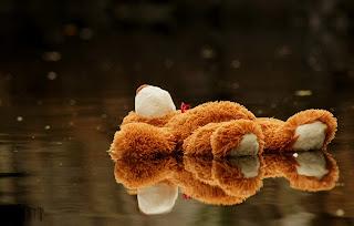 Teddy_bear_upset_love_failure_picture_for_boys.jpg
