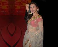 Rani Mukerji Hot Saree Wallpapers
