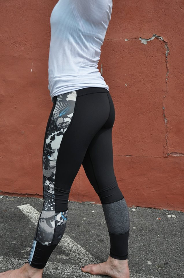 lululemon-run-the-world-7/8th-tight butterfly