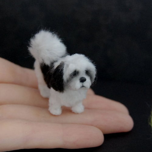 13-Shih-Tzu-Dog-ReveMiniatures-Miniature-Animal-Sculptures-that-fit-on-your-Hand-www-designstack-co