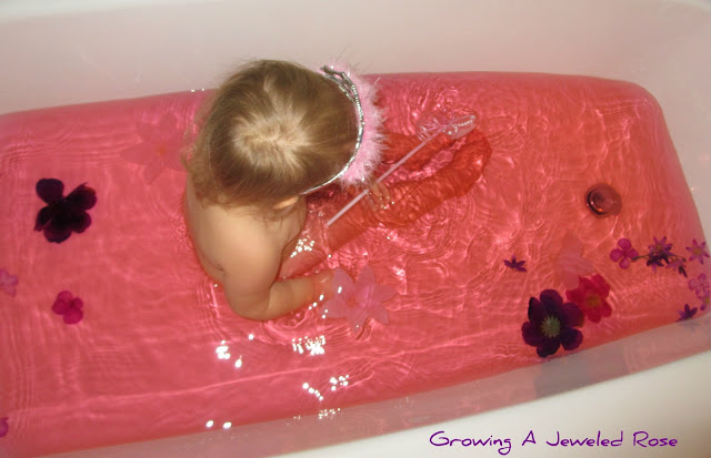 Themed sensory baths