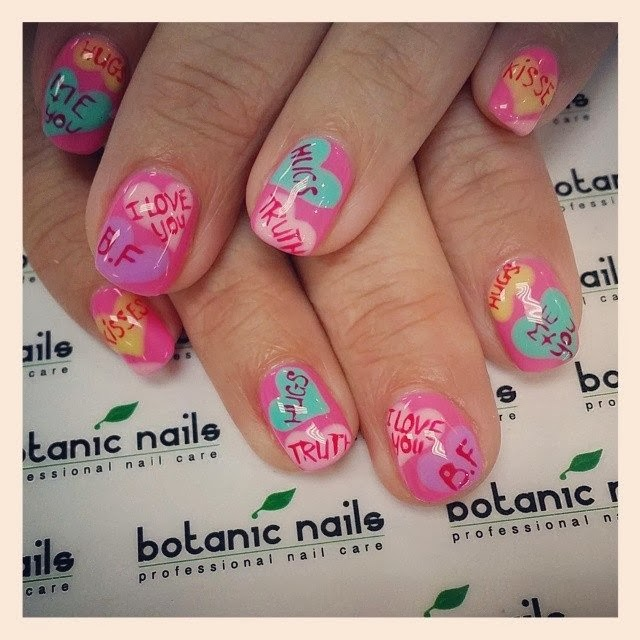 Nails Arts Trends For Ladies...