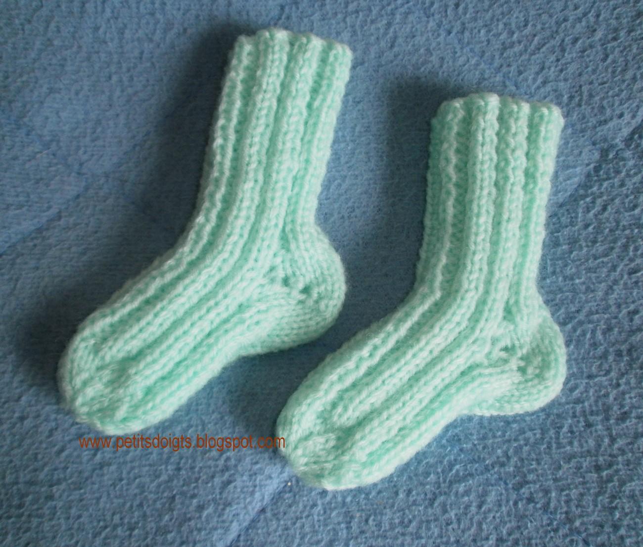 petits doigts chaussettes naissance 2 aiguilles. Black Bedroom Furniture Sets. Home Design Ideas
