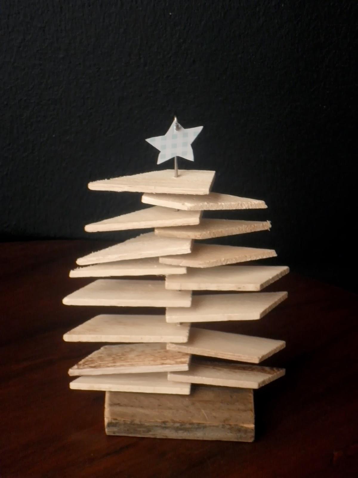 Makeover addict: Mini drveno božićno drvce za 0 kuna!