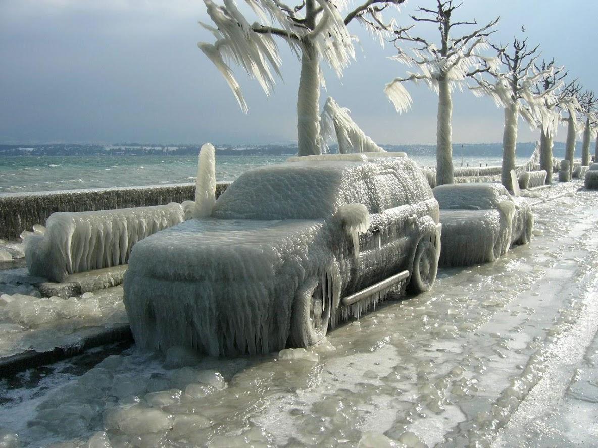 Tormenta de hielo en Versoix. Ginebra (Suiza). Junto al lago Lemán