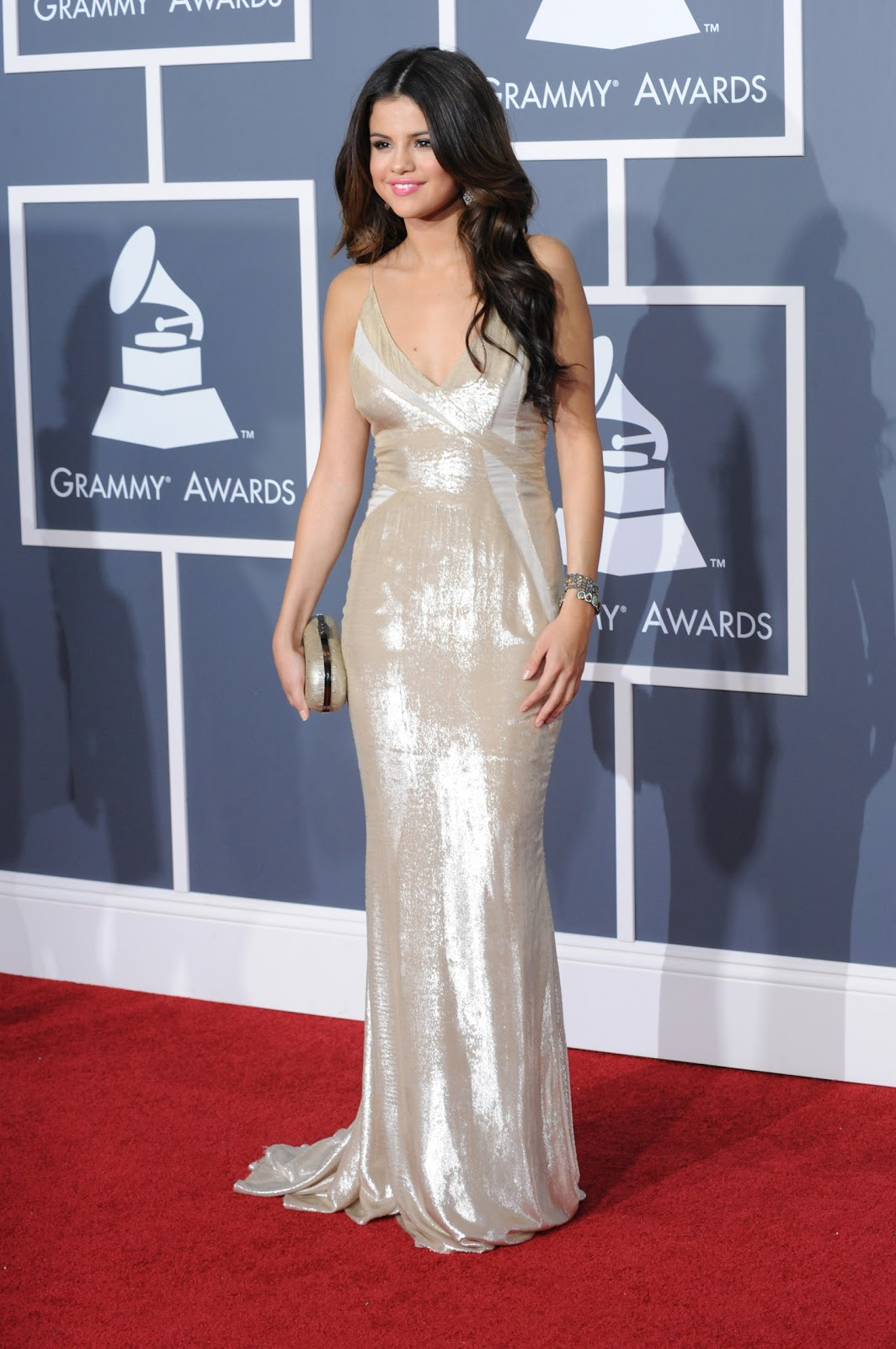 red carpet dresses selena gomez   grammy awards 2011