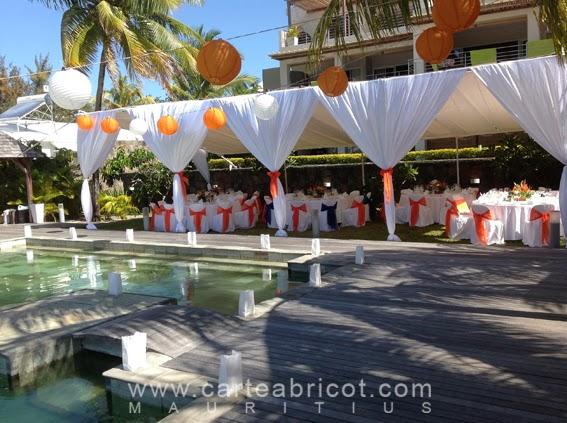 Decoration piscine pour mariage for Decoration exterieur pour piscine