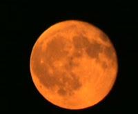 luna mas hermosa y anaranjada 5 mayo