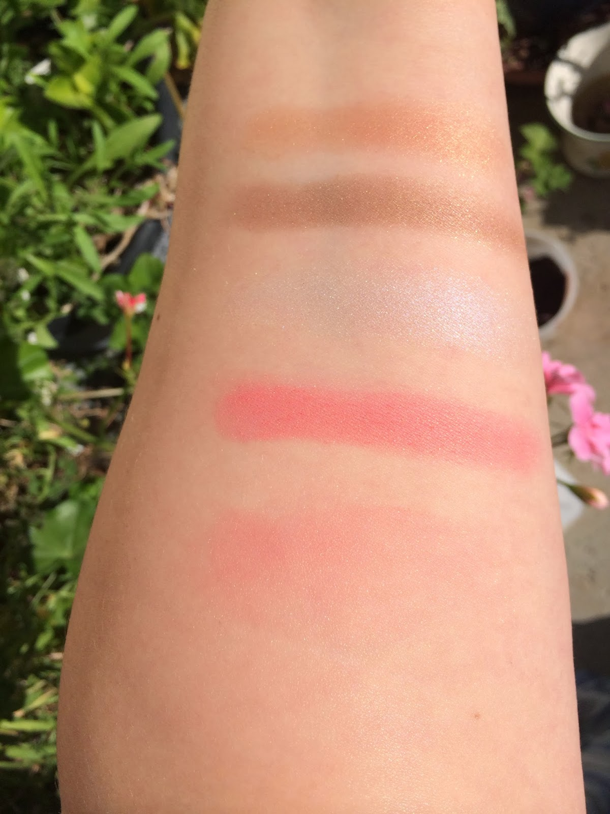 Chantecaille Save the Bees swatch
