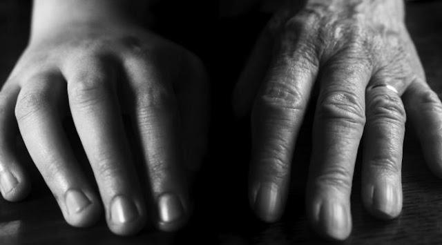 Hindari 4 Kebiasaan yang Bikin Kulit Tangan Keriput