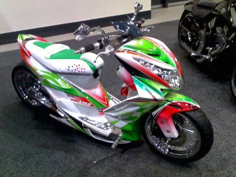 Modifikasi Honda PCX 125 Airbrush