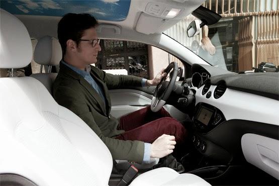 Opel Adam presentado por Luis Medina