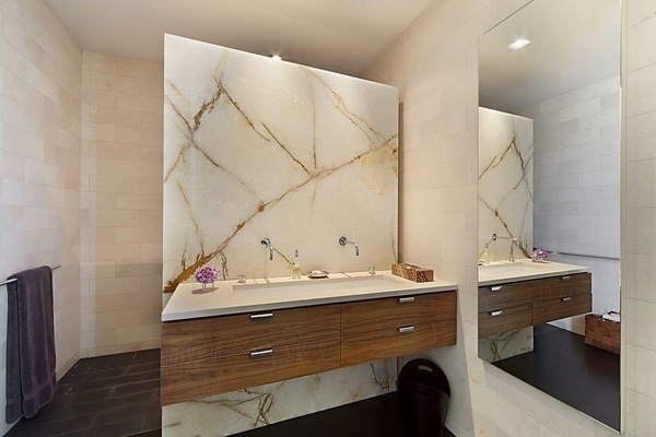 Marble Slab Design : The granite gurus accent walls with full slabs of onyx