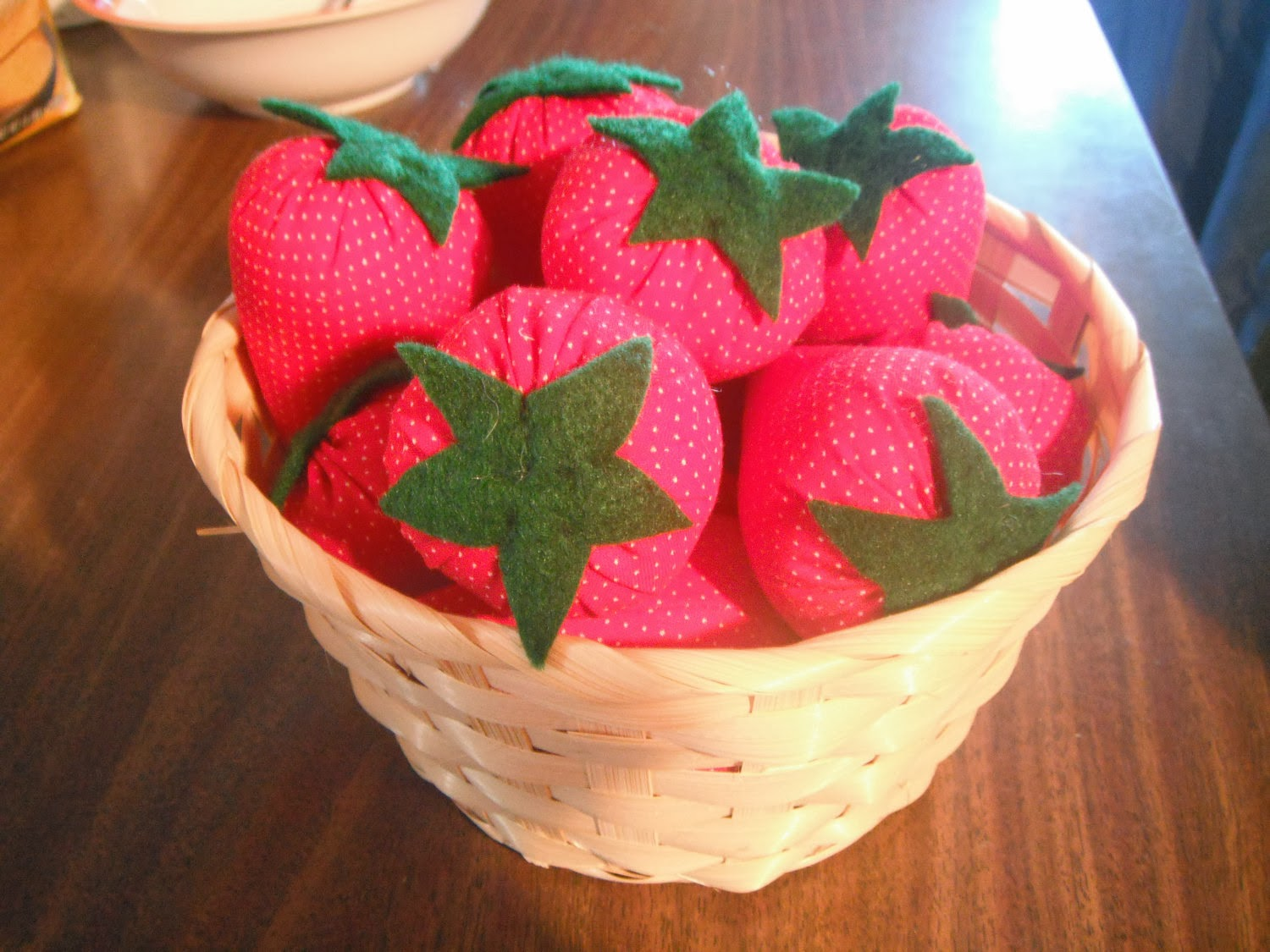 https://www.etsy.com/listing/88854900/basket-of-fabric-strawberries