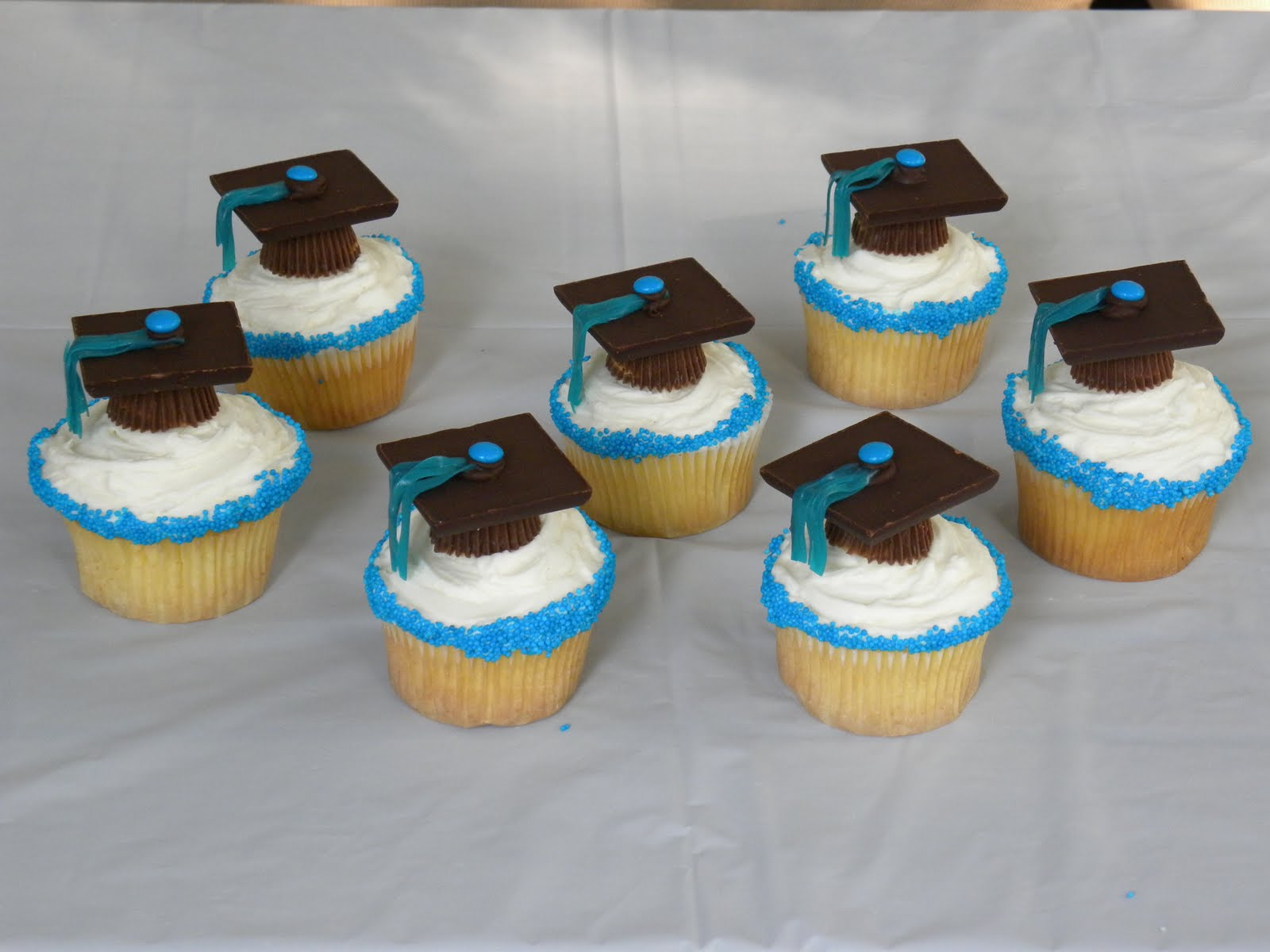 Cupcake Design For Graduation : Birthday Party Blog: Graduation Cupcakes