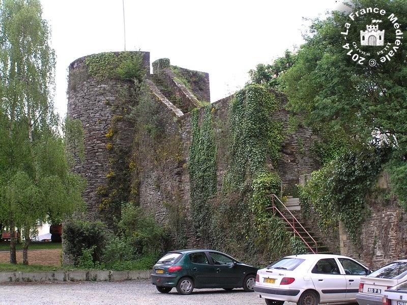 PLOERMEL (56) - Les remparts