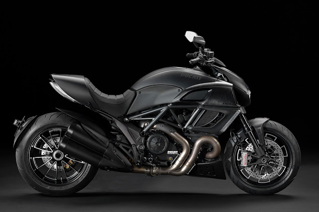 Ducati Diavel Dark Motorcycle | Ducati Diavel Dark Price | Ducati Diavel Dark specs | Ducati Diavel Dark Features | Ducati Diavel Dark Launch date