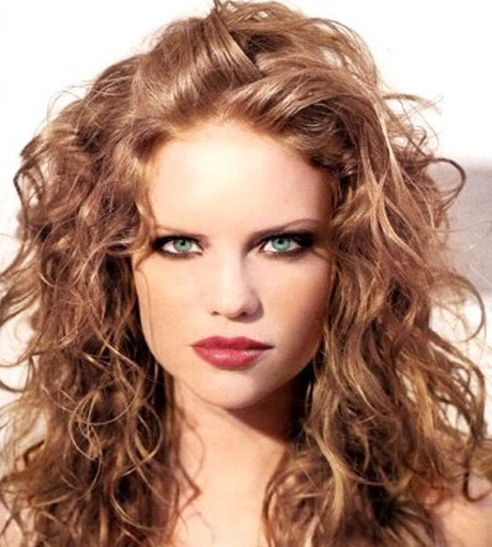 Hair Style Ledis : Medium-Hair-Styles-For-Women-Curly-Hair-Styles-2011.jpg