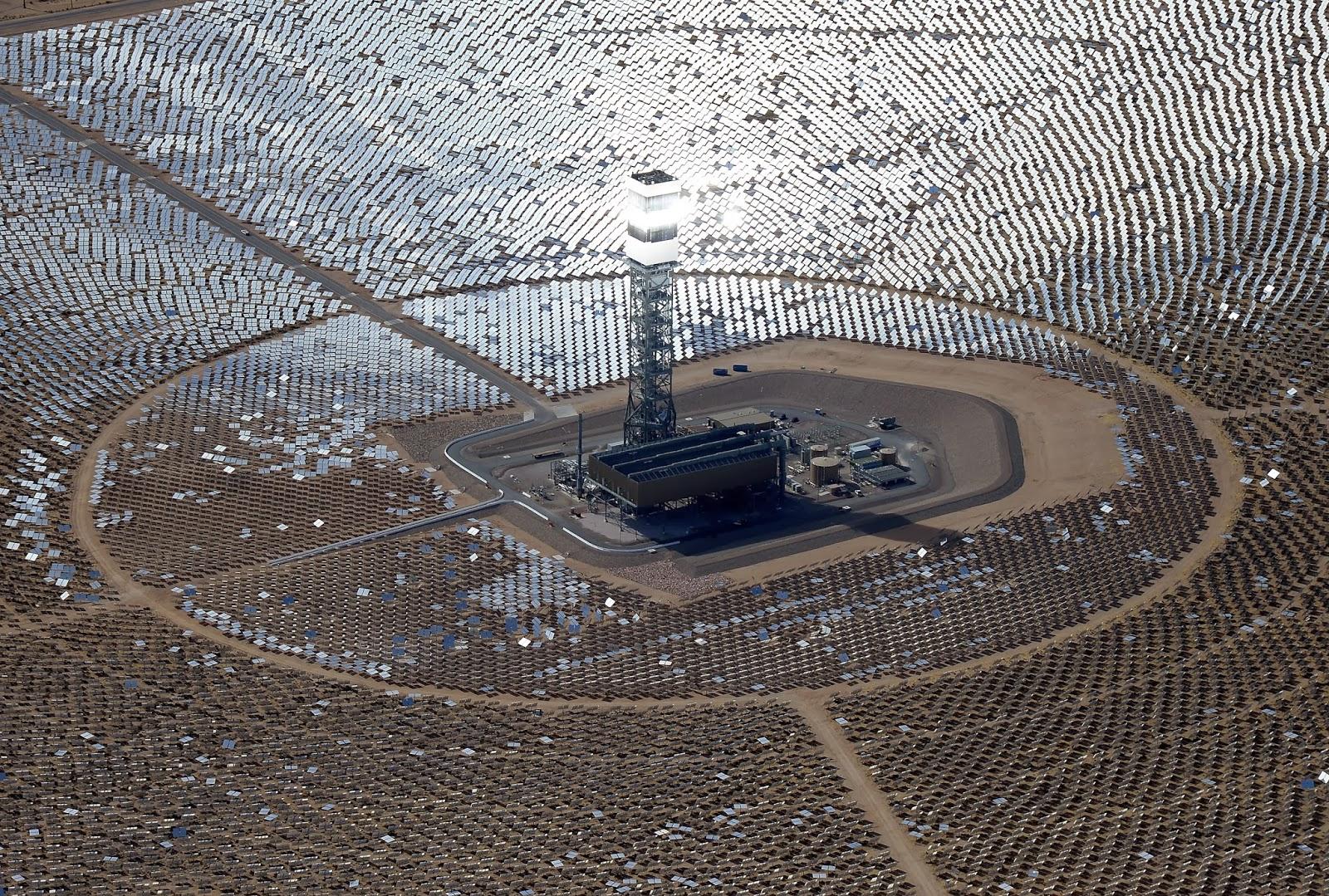 Business, California, Economy, Electricity, Power Plant, Power Station, Solar Power Plant, Technology, US, USA, World Largest, World largest solar power station,