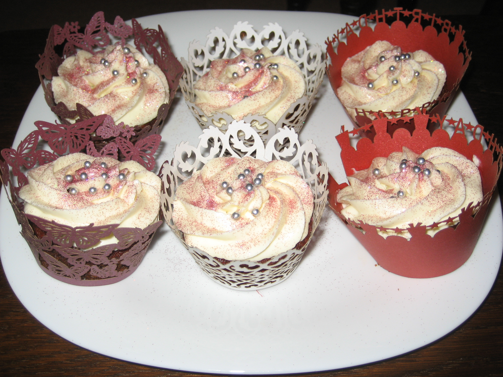 Red Velvet birthday cupcakes ~ Buttercream Magic
