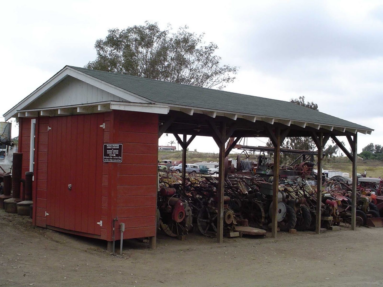 Garages For Tractors : Easy building shed and garage tractor pictures