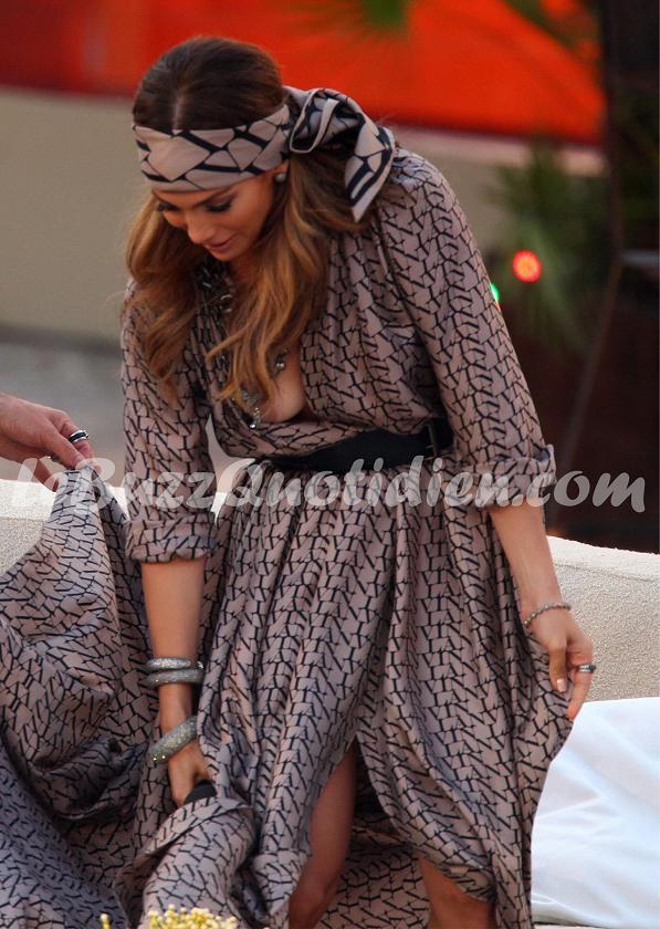 Jennifer Lopez seins nus