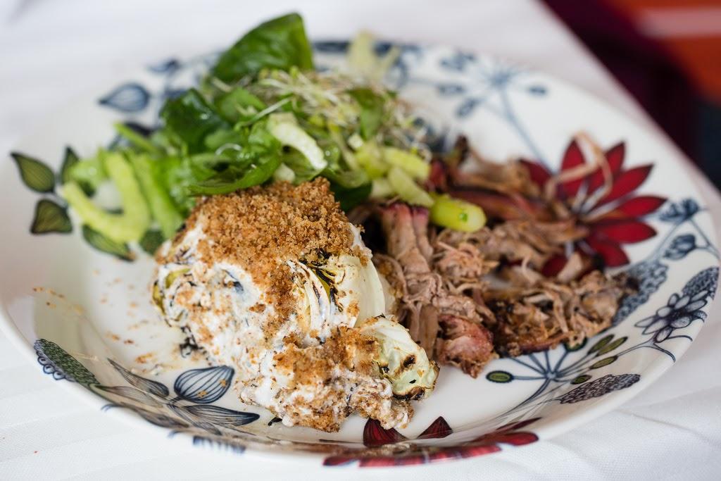 nyhtöpossu, salaatti