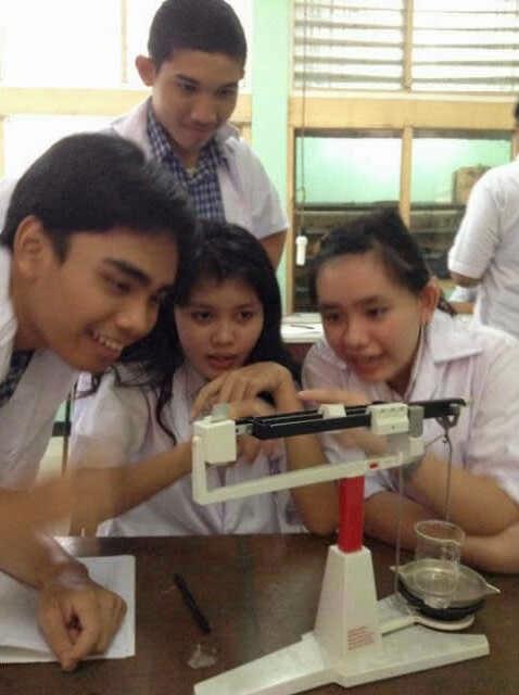 Praktek Cara membuat larutan dari zat pekat dan zat padat